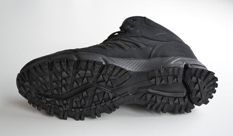 Зимние кроссовки