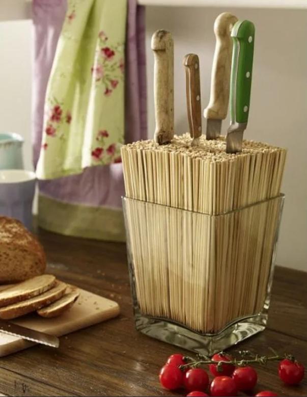 Подставка под ножи из бамбуковых палочек