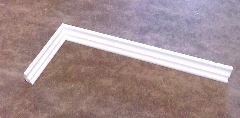 Как стыковать потолочные плинтуса?